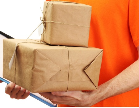 Утвердили новые нормы беспошлинных почтовых и курьерских отправлений